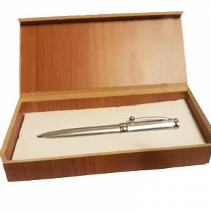 Prácticos mujer - Bolígrafo plateado Mod. 2 en caja de madera (Últimas Unidades)